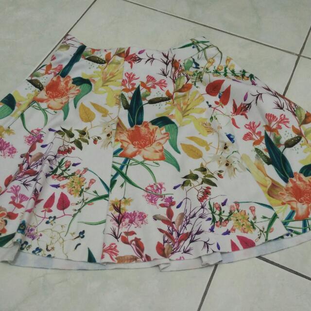Rok Flare - Bunga (Bershka)