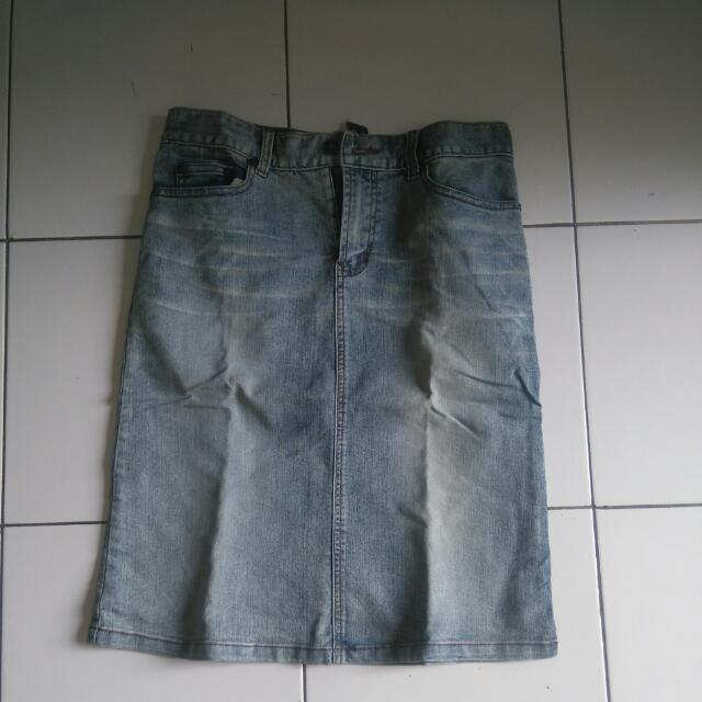 Rok Jeans Selutut