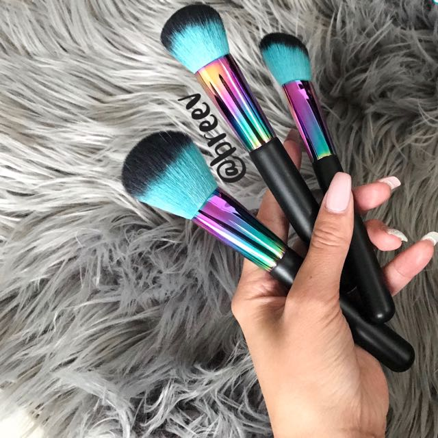 SALE 🙀 holographic Makeup Brushes