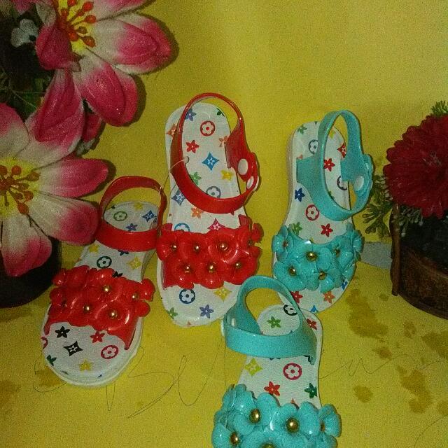 Sandal Anak Bunga
