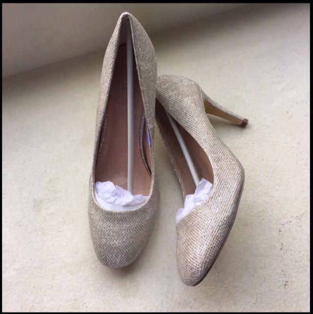 Sepatu next Ori baru
