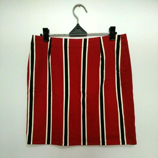 Uniqlo Red Stripe Mini Skirt - Preloved