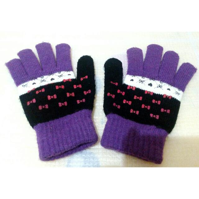 Violet Gloves