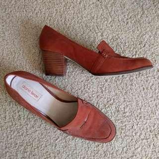 Diana Ferrari Shoes Size 9.5