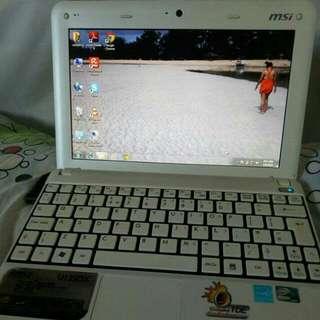 MSI U135DX NETBOOK