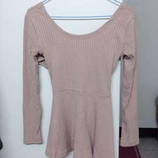 粉色露背交叉洋裝