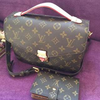 Louis Vuitton Pochette Metis Monogram Authentic
