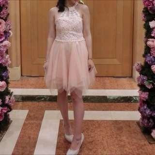 粉橘小洋裝
