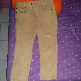 Cream Jeans