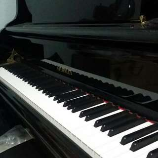 Sternley Piano