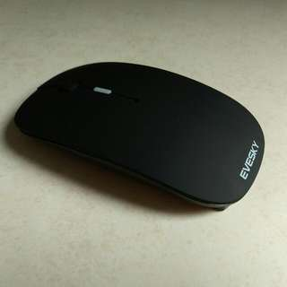 Brand new wireless rechargeable mouse (Black)
