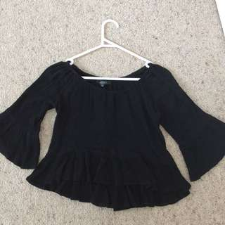 Cheris Black Summery Crop Top
