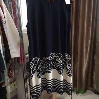 Minimal Flower Dress