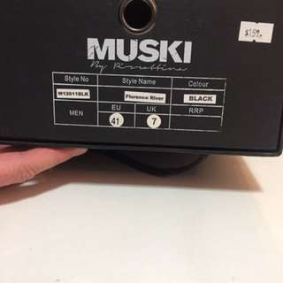 MUSKI NEW Business Leather Shoe Size 7