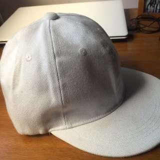 素面白色棒球帽