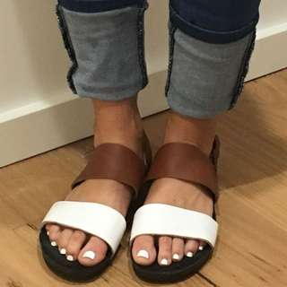 Leather Sandals - Tan & White