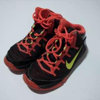 Nike Basketball Shoes (KIDS)