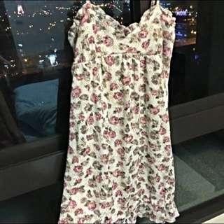 LIZLISA 真品🎀甜美花語細肩帶蕾絲洋裝