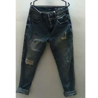 Preloved Cotton On Boyfriend Ripped Jeans
