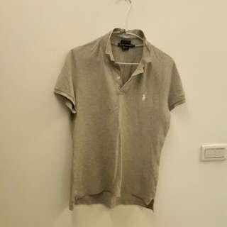 女灰色T恤