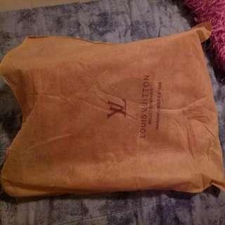 Loui Vuitton handbag