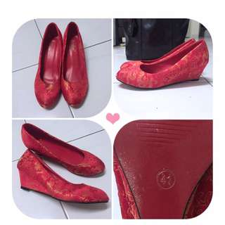 Comfortable Traditional Red Wedding Shoe For 'Kwa' Dress