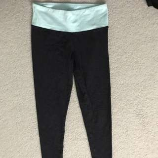 TNA dark grey/teal leggings