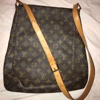 [REDUCED] Authentic Louis Vuitton ( LV ) Sling Bag