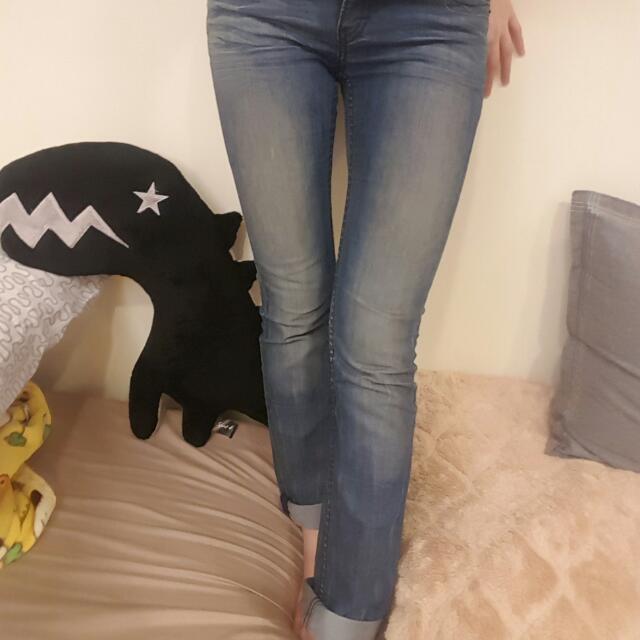 25腰 Levi's 刷色牛仔褲 夏天薄款不悶熱