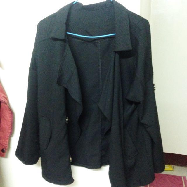 黑色不規則外套