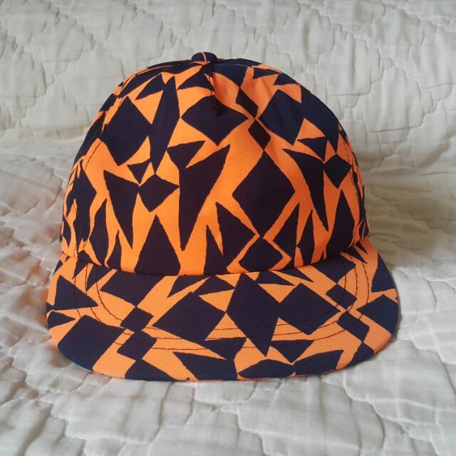 韓國製 螢光橘幾何鴨舌帽