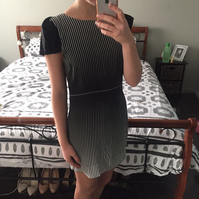 Wish Clothing Back And White Stripped T-shirt dress