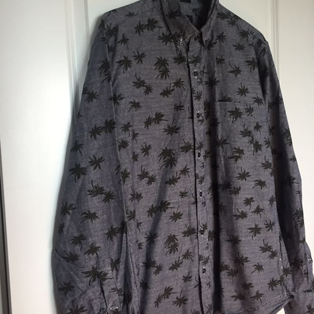 Gray coconut tree print button-up long-sleeved shirt