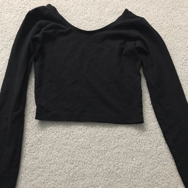AMERICAN APPAREL black long sleeved crop top