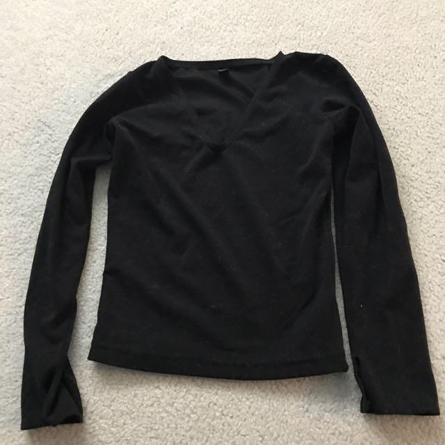 black velvet long sleeved crop top