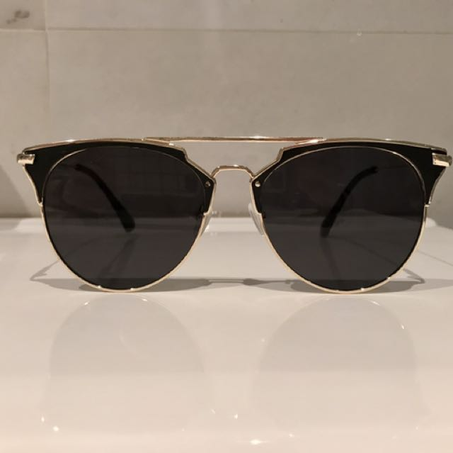 BRAND NEW Fashionable Sunglasses