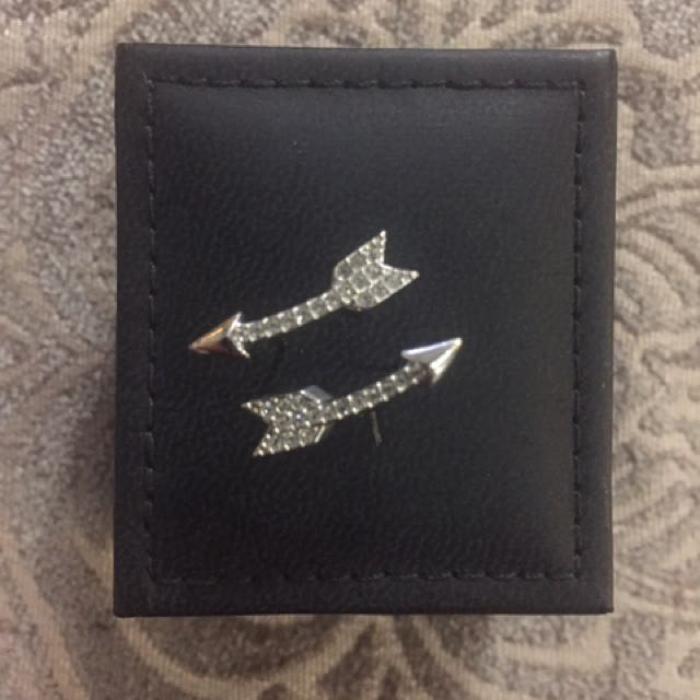 BRAND NEW Sterling Silver Arrow Earrings