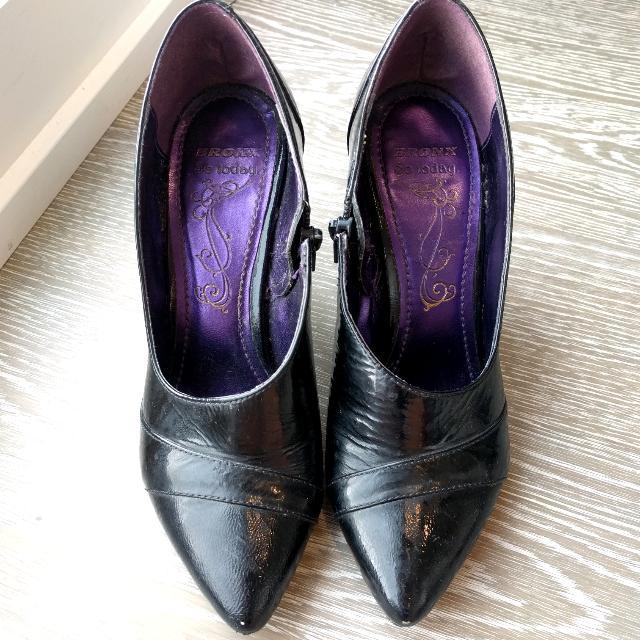 Bronx Patent Leather Asymmetrical Heels