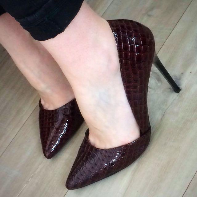 Burgandy Heels (Size 8)