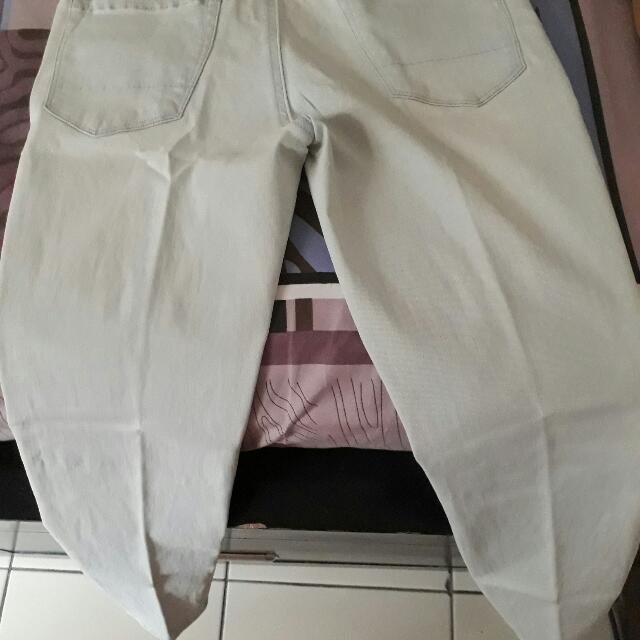 Celana Panjang Merek Jeans West