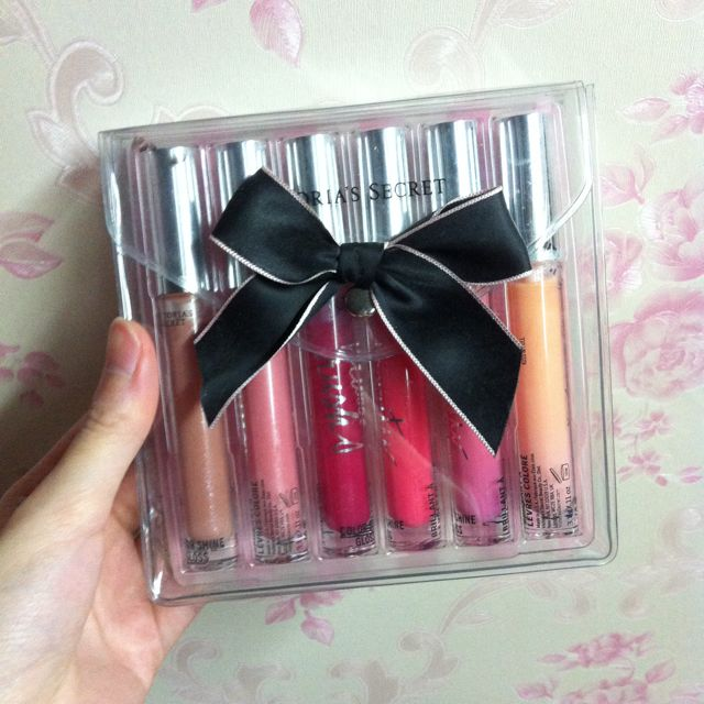 Color Shine Gloss by Victoria Secret