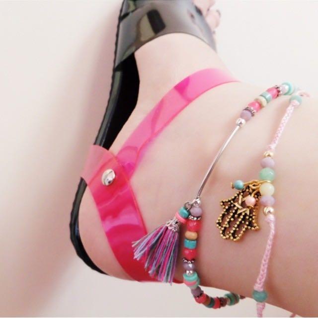 Kayyasatin Flat Sandals