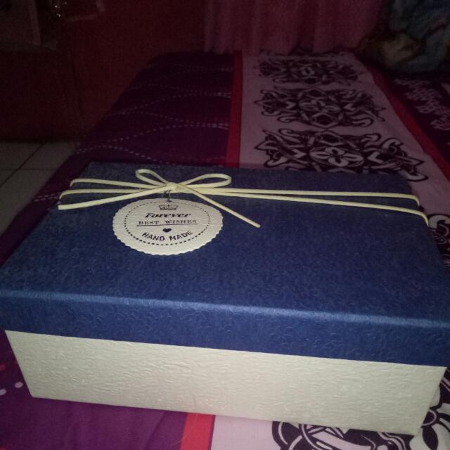 Kotak Hadiah