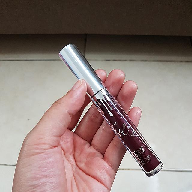 Kylie Matte Liquid Lipstick VIXEN
