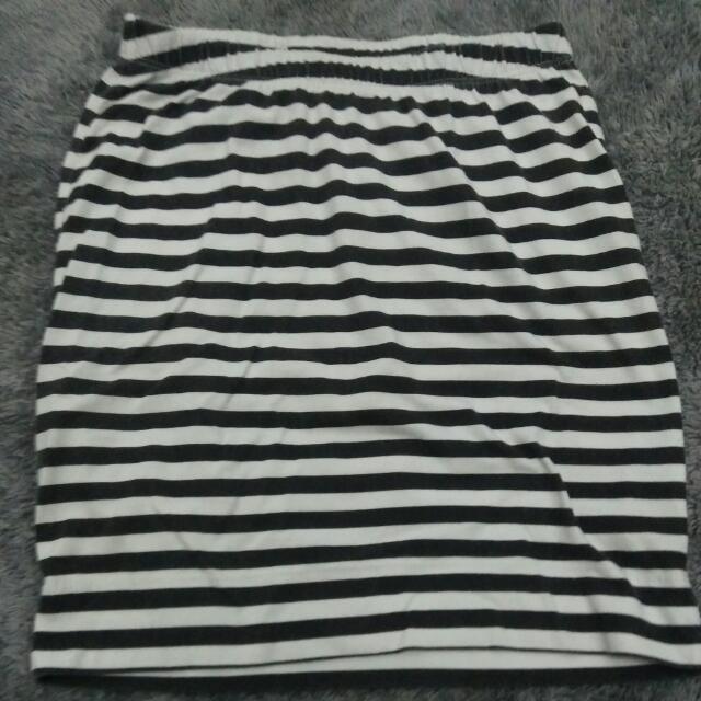 Mini Skirt Color Box