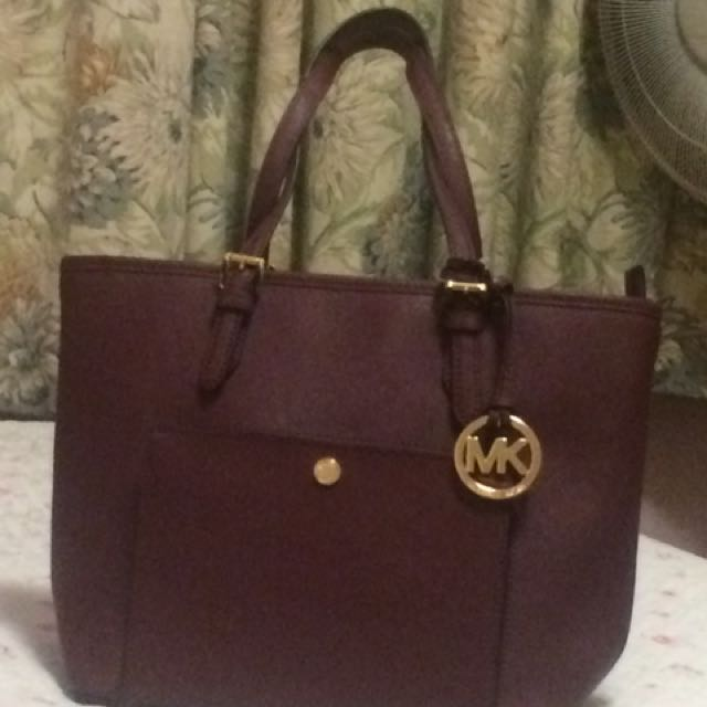 MK Medium In Burgundy/wine