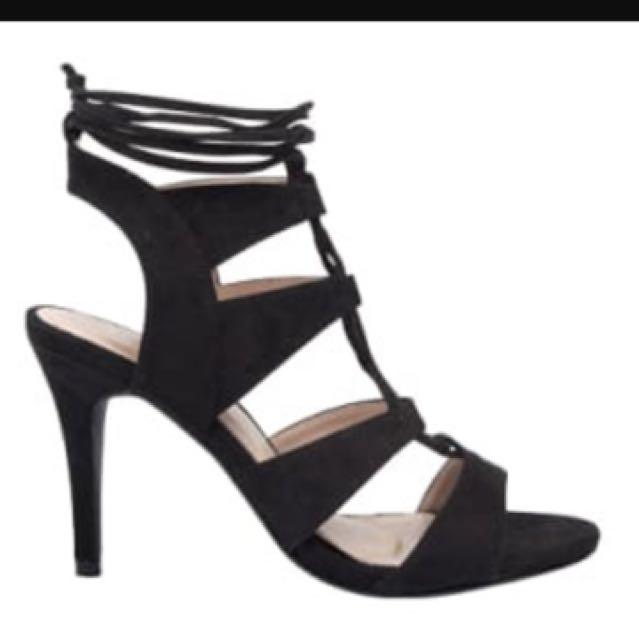 Nude Tan Heels - Size 9