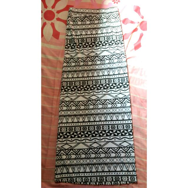 REPRICE!! Slim Skirt Ethnic Black And White