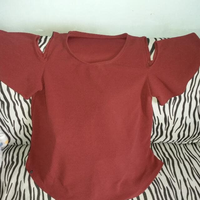 Red cropped sleeves top