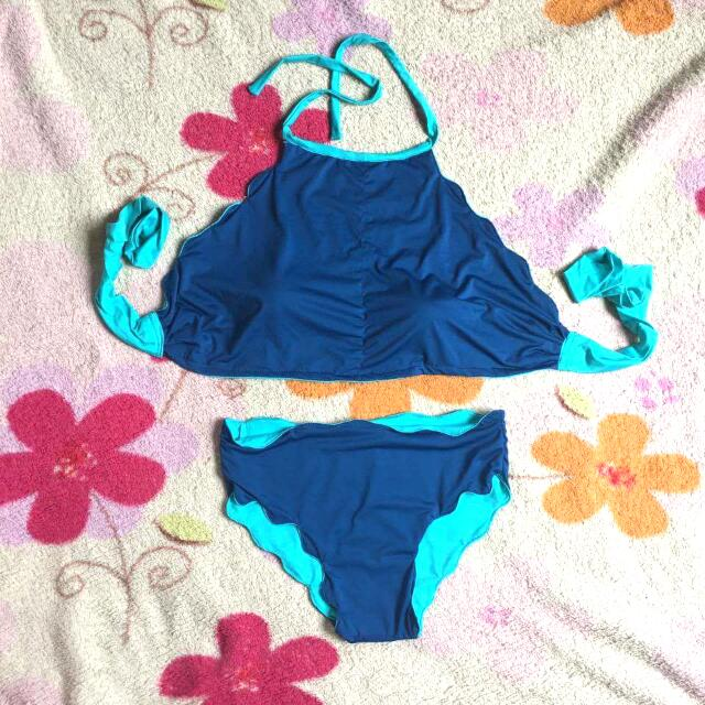 Scallop Reversible 2 Piece